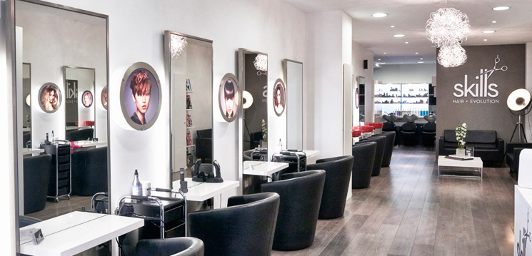 Beautiful Photo De Salon Coiffeur Photos - Amazing House Design ...